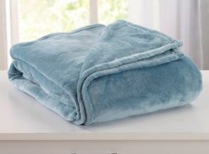 Ultra Velvet Plush Fleece All-Season Super Soft Luxury Bed Blanket. Lightweight and Warm for Ultimate Comfort. By Home Fashion Designs Brand. (FullQueen, Smoke Blue)