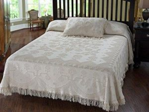 Martha Washington's Choice Bedspread – Queen – White – with String Fringe