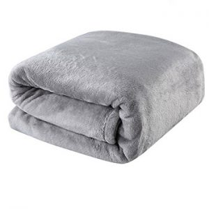 Top 10 Best Bed Throws and Blankets in 2018 - Complete Guide