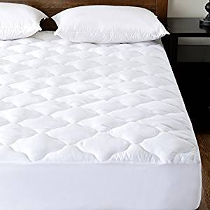 Quilted Waterproof Mattress Pad Protector Cover (Twin) with Soft Down Alternative Fill 15″ Deep Pocket Fitted Skirt