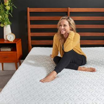 Top 15 Best Cooling Mattresses in 2019 (Ideal for Warm Sleepers!)