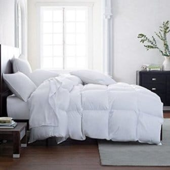 Lavish Comforts Hotel Luxury All Season Down Alternative Comforter