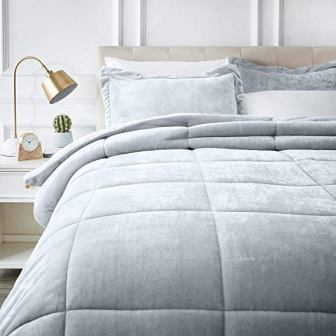AmazonBasics – Micomink Sherpa Comforter Set