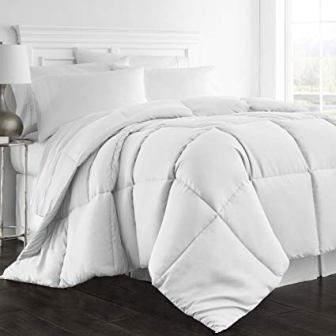 Beckham Hotel Collection 1300 Series Goose Down Alternative Queen-Size Comforter