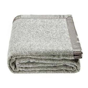 Spencer & Whitney bed throw blanket