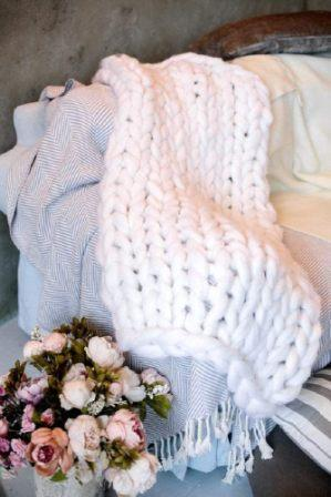 Clootess Chunky Knit Blanket (Merino Wool Hand Made)