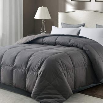 WhatsBedding Lightweight Down Comforter