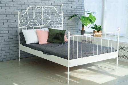 Top 15 Best Iron Bed Frames in 2020 - Complete Guide