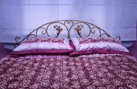 Top 15 Best King Size Bed Frames in 2020 - Ultimate Guide
