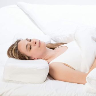 Top 15 Best Pillows for Back Sleepers - Guide & Reviews 2020