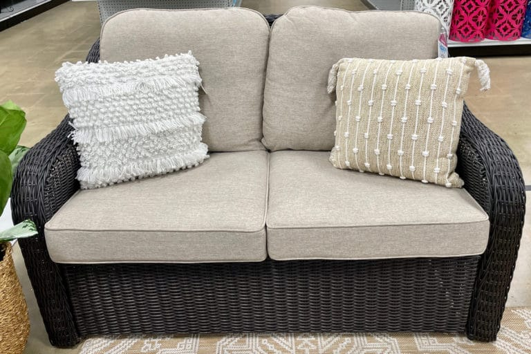Loveseat Vs Futon - A Detailed Comparison