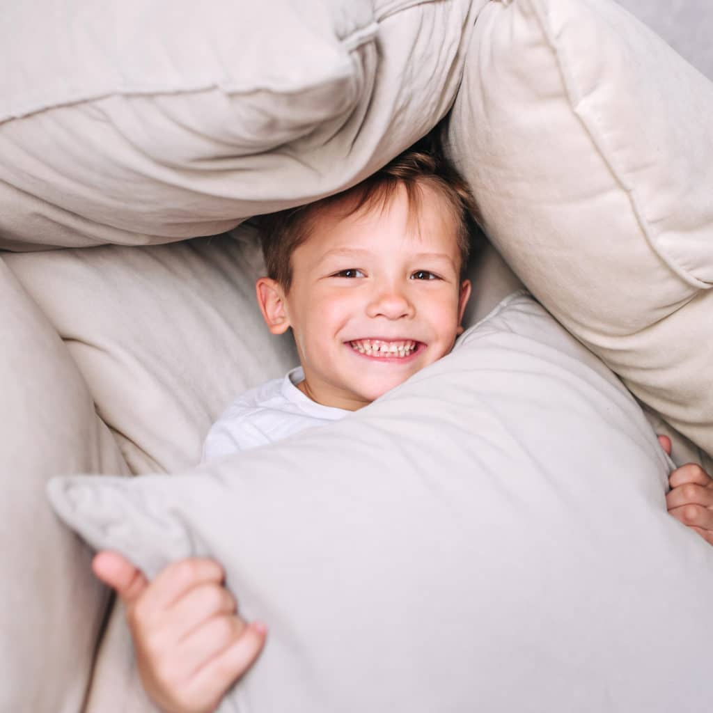 How to Build a Pillow Fort – 2 Super Simple Methods!